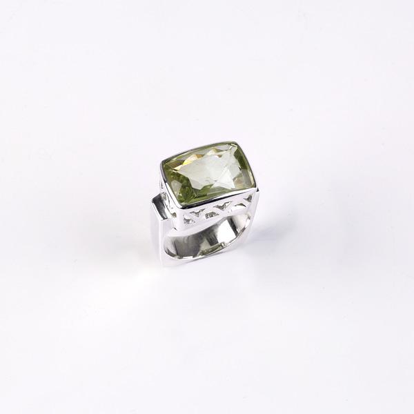 Ring Silber mit grünem Amethyst