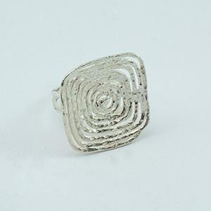Ring mit Quadrat